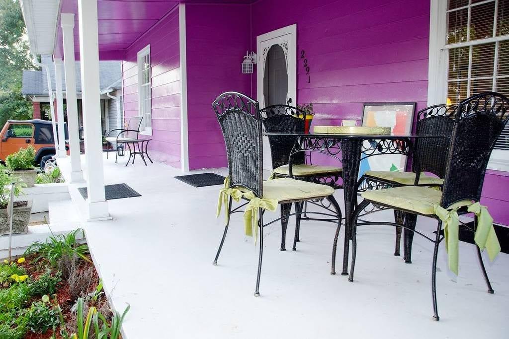 downtown bungalow atlanta airbnb