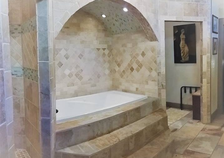 Airbnb New Orleans French Quarter Plug in your music and relax in this large in-room jacuzzi