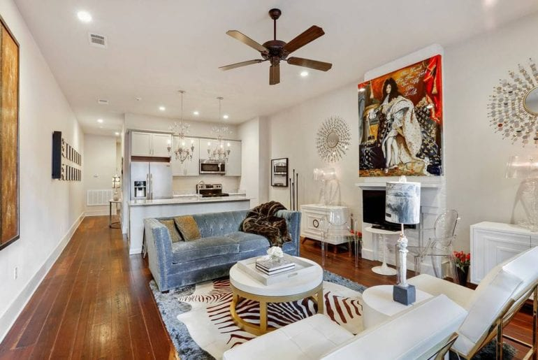 Airbnb New Orleans French Quarter This room is filled with modern decor and whimsical art