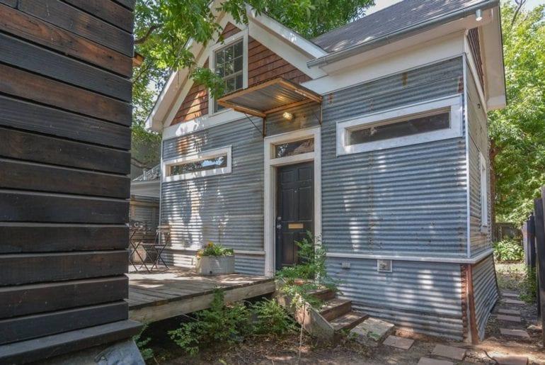 historic 1920s tiny house airbnb dallas