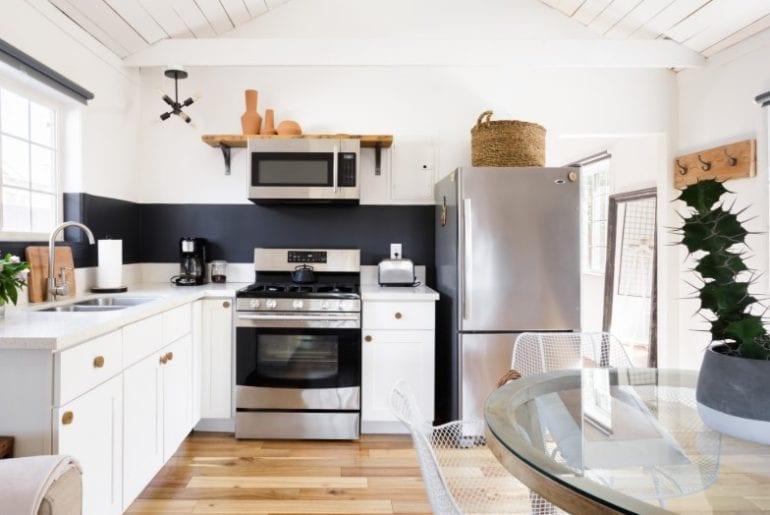 modern hip airbnb bungalow in los angeles