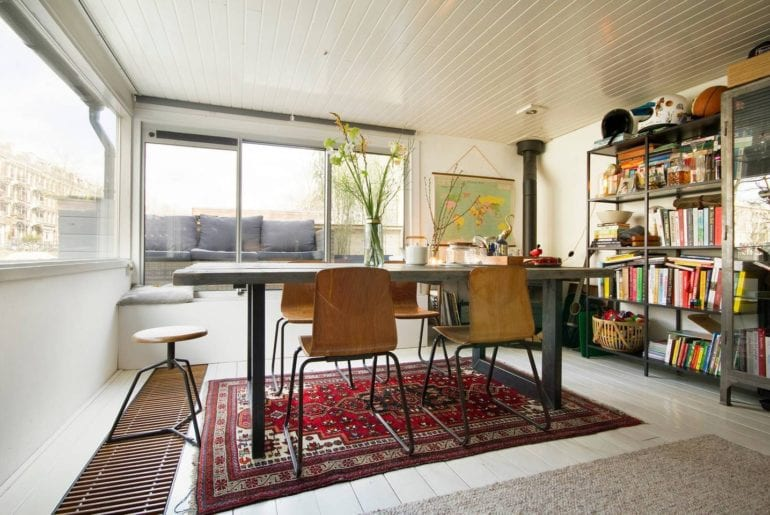 airbnb houseboat oud west amsterdam