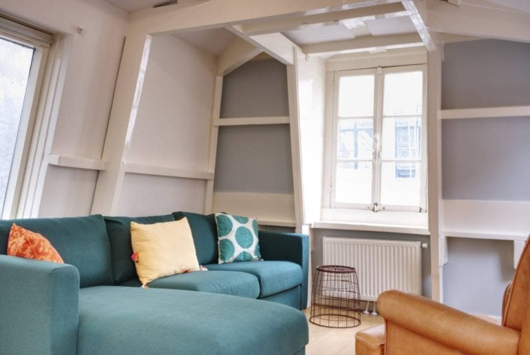9 streets district airbnb amsterdam