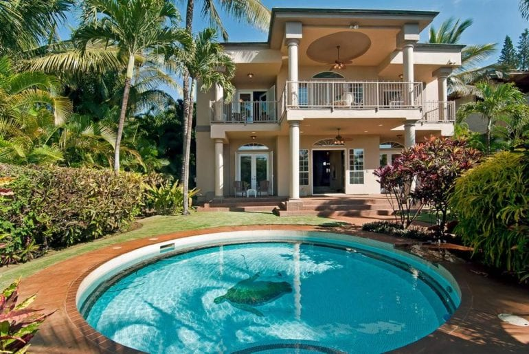 airbnb luxury beachfront villa with pool on maui