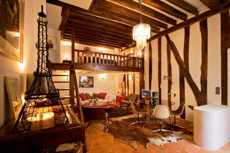 eclectic loft space in bastille area