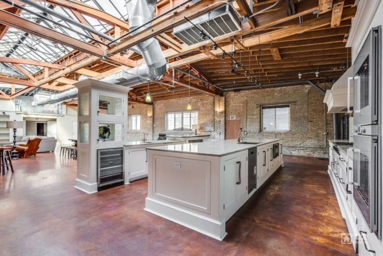 gigantic chicago airbnb loft space
