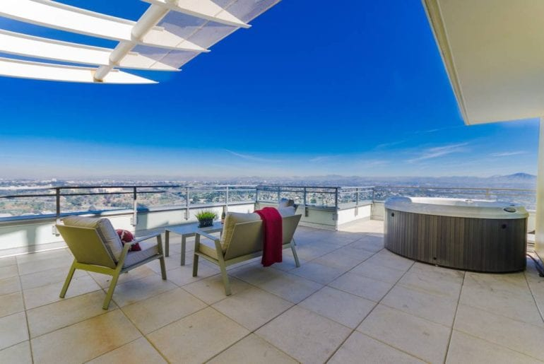 penthouse with rooftop jacuzzi san diego