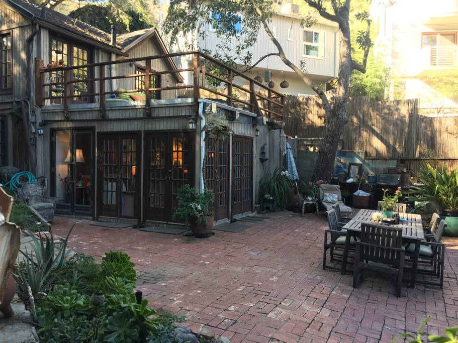 laurel canyon airbnb home los angeles