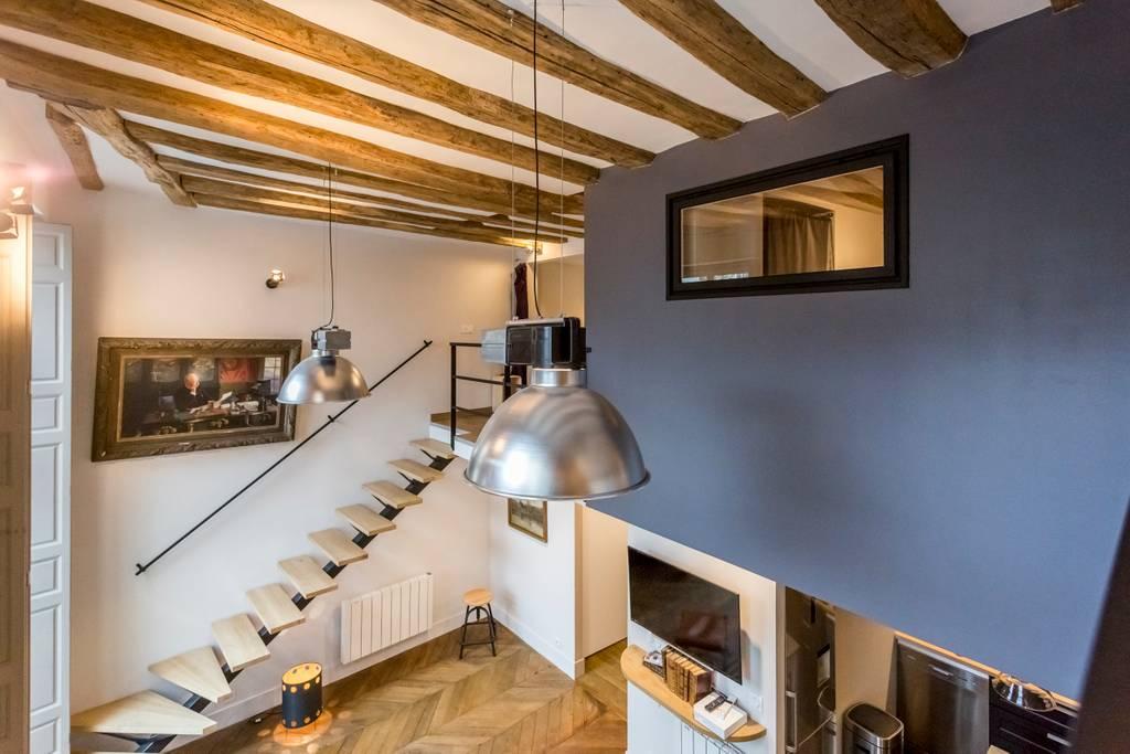 airbnb duplex in marais district