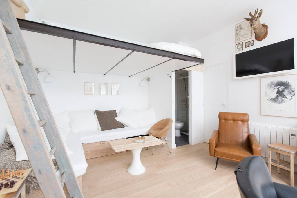 paris airbnb apartment in the heart of shopping