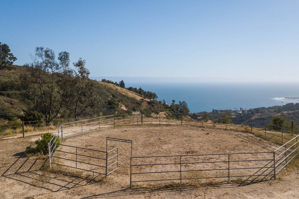ranch with views airbnb los angeles