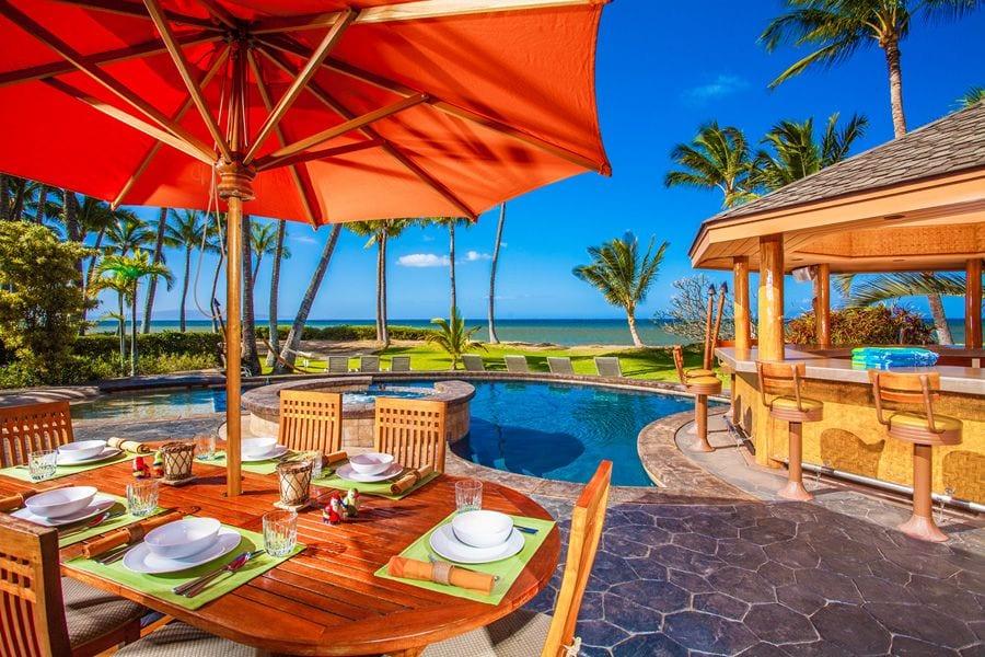 a Hawaiian VRBO home's pool