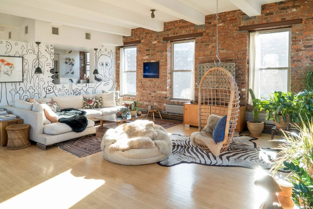 light filled apartment with exposed brick in brooklyn