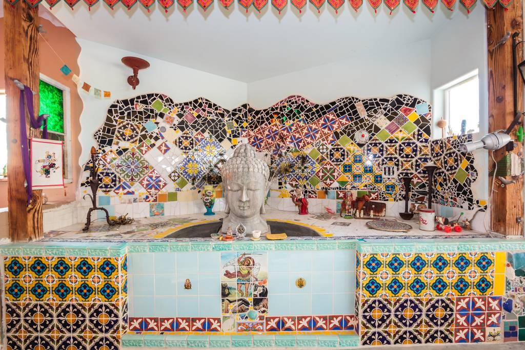 airbnb tile house perfect for coachella