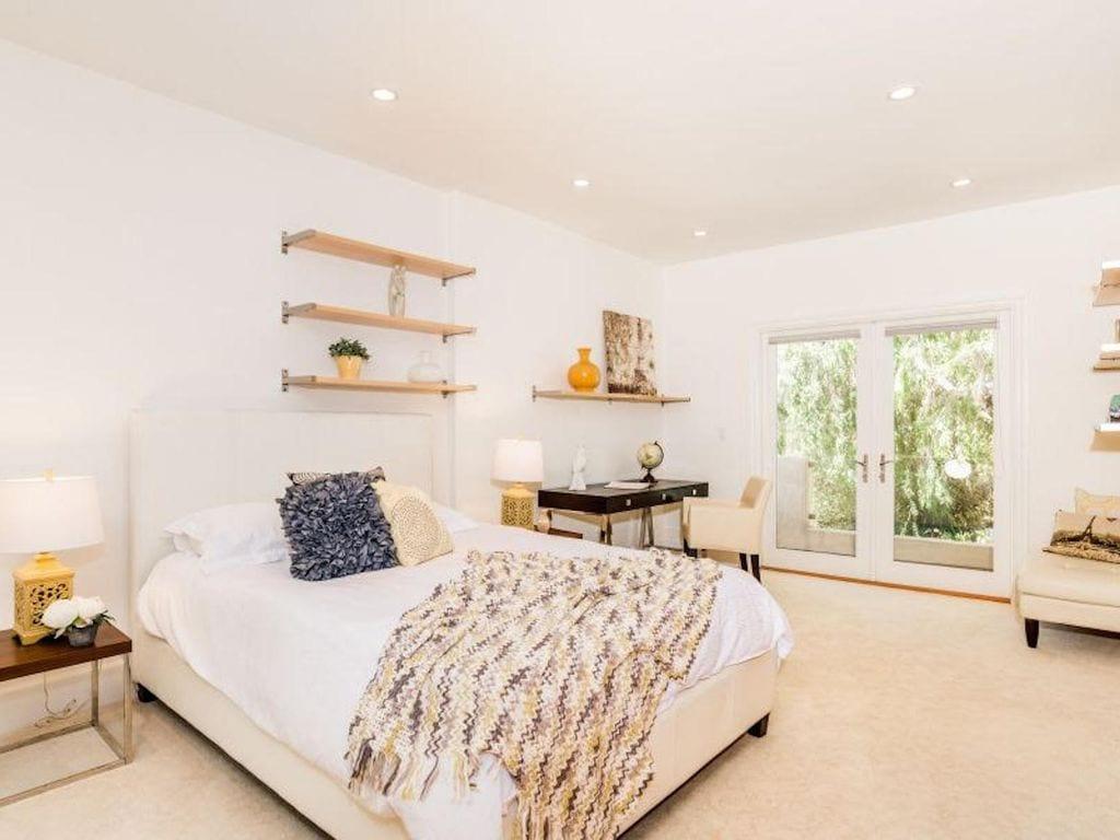 luxury vrbo home with pool santa monica