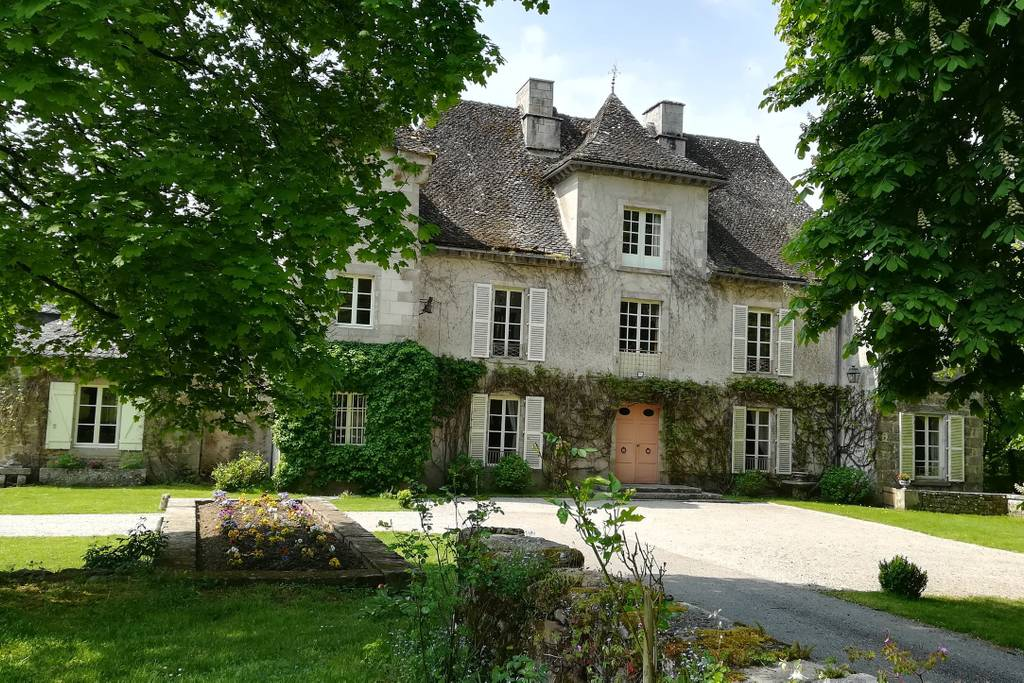 stunning chateau in the french country