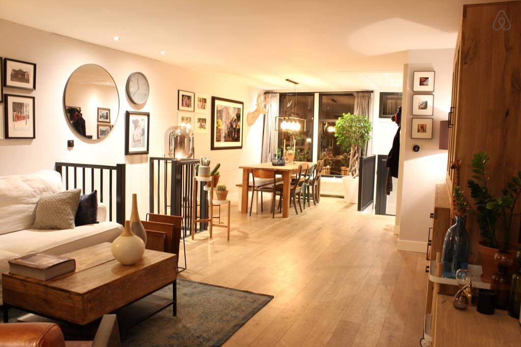 2 storey airbnb home in de pijp