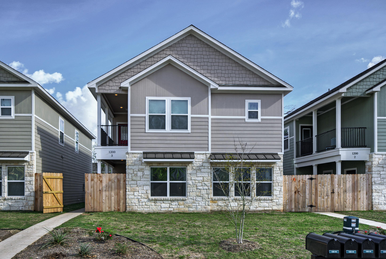 Bear Cottages Phase I / Baylor