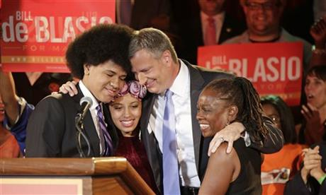 DE BLASIO TOPS MAYORAL PRIMARY; RUNOFF POSSIBLE
