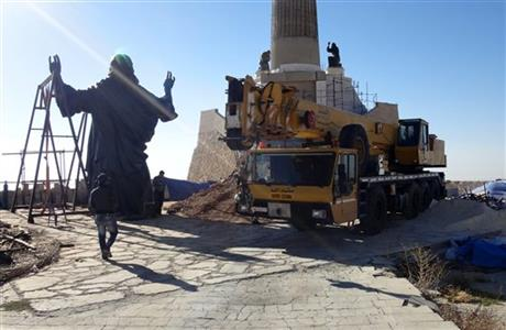 In midst of Syrian war, giant Jesus statue arises