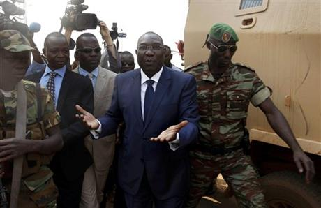 C. AFRICAN REPUBLIC PRESIDENT, PM STEPPING DOWN