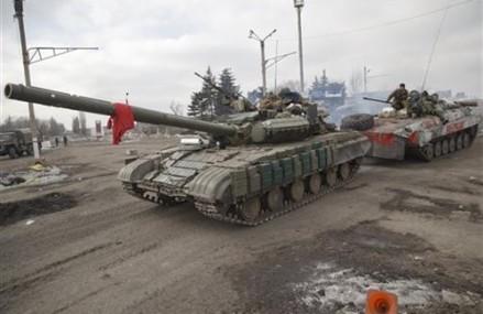 As ravaged Ukraine town regains peace, fear of war remains