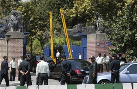 British foreign secretary reopens embassy in Tehran