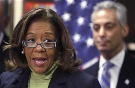 Ex-head of Chicago schools pleads guilty in kickbacks scheme