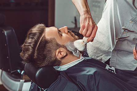 hipster client visiting barber shop PQJE4FS 1024x682