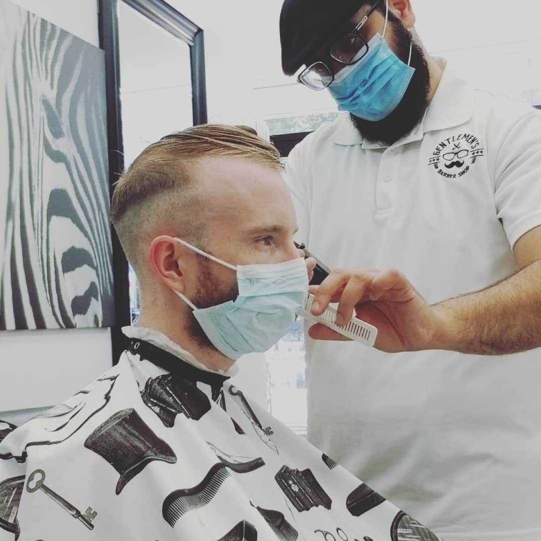 BARBER IN WILLIAMSBURG