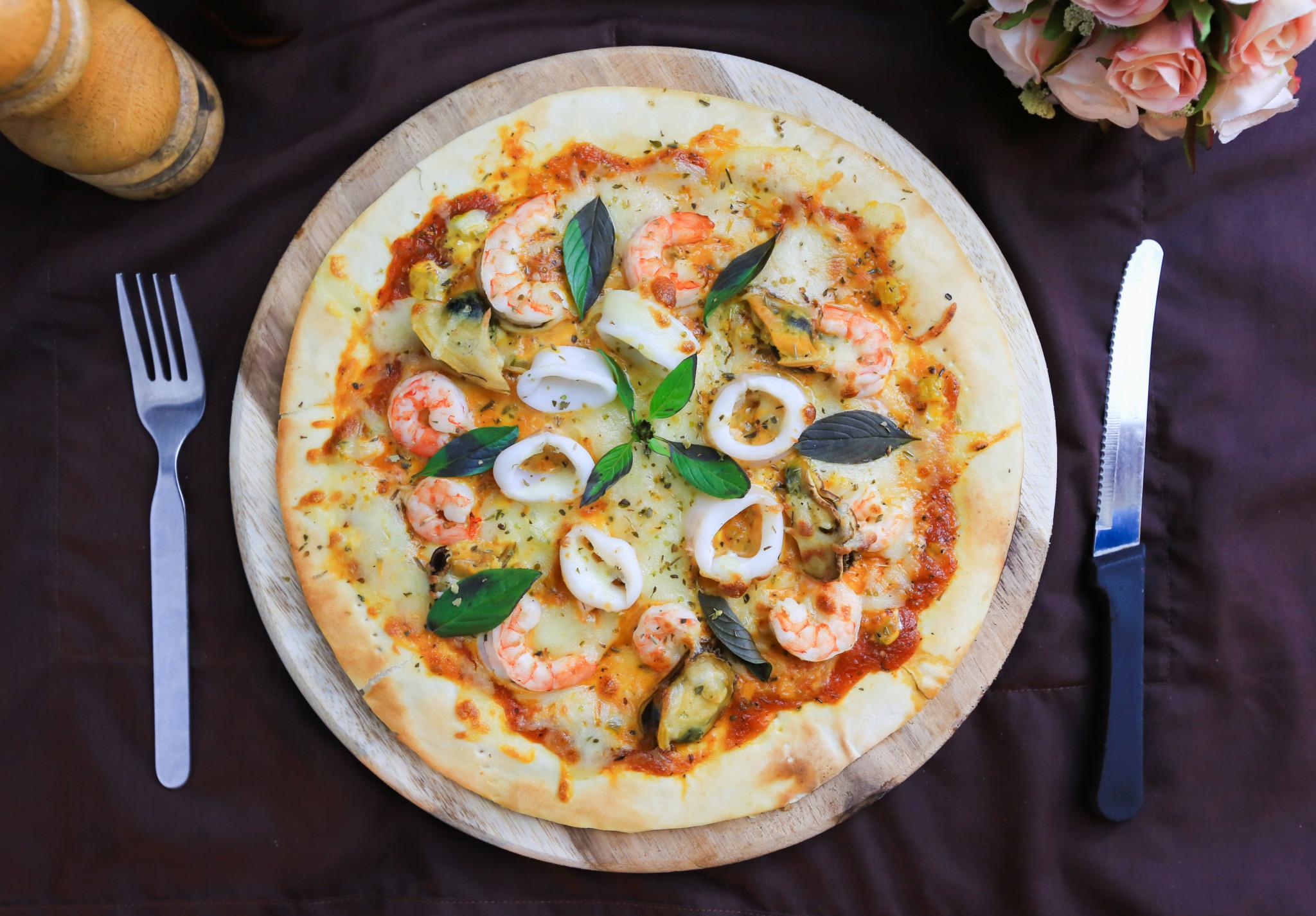 Shrimp, Oyster and Calamari Pizza