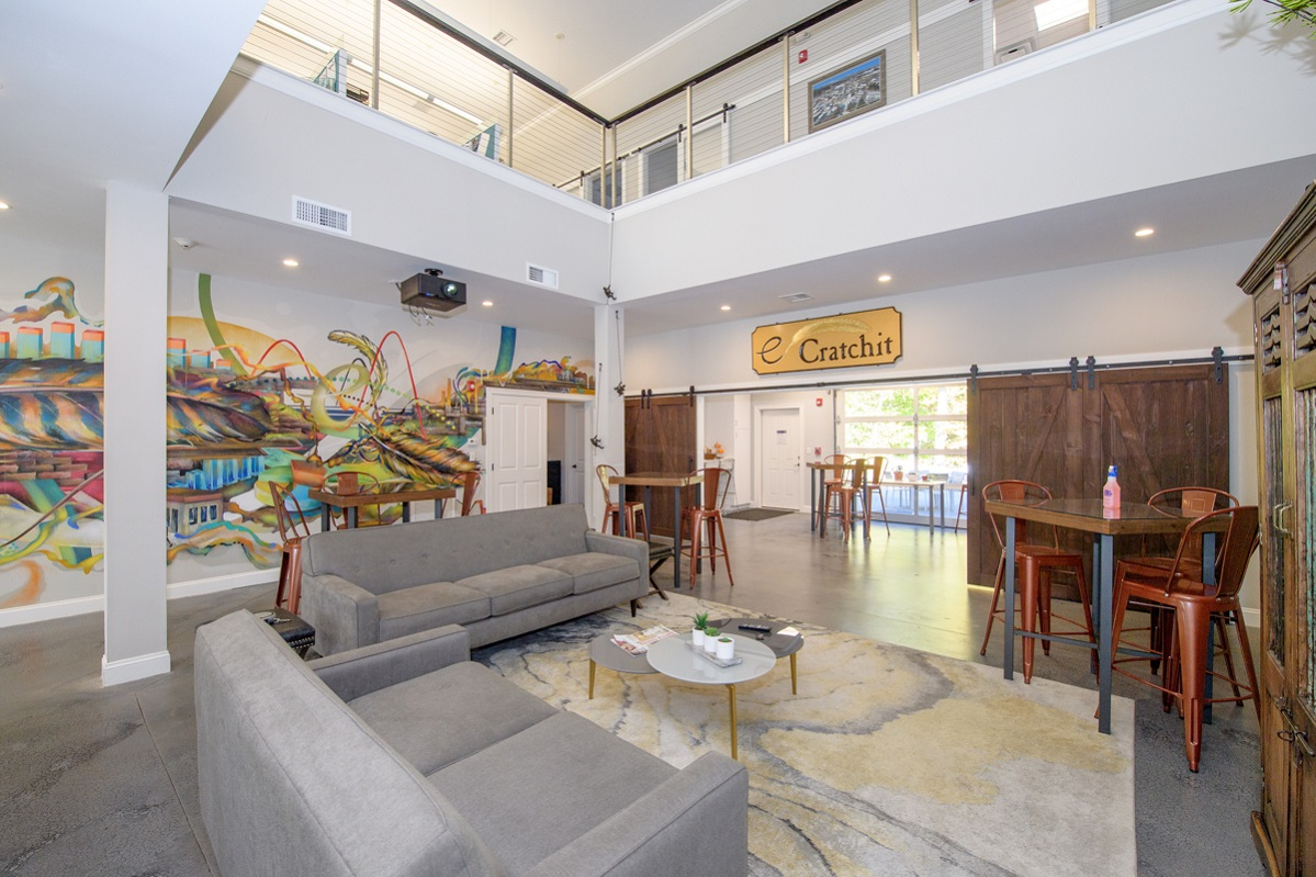 eCratchit lounge
