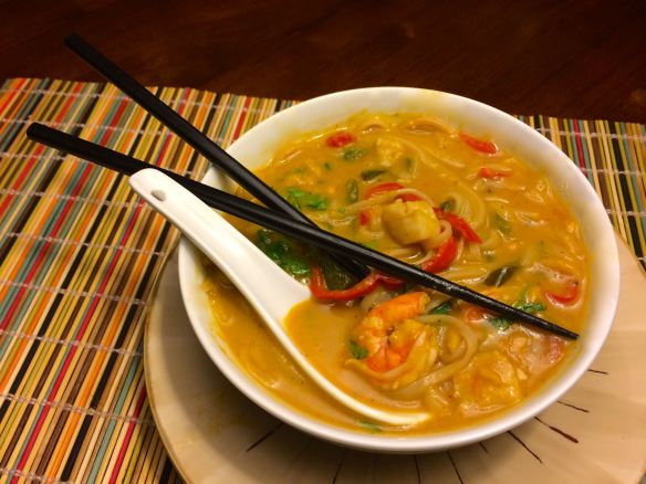 Vietnamese Soup with Shrimp and Scallops