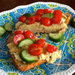 Five-Minute Homemade Hummus (Video)