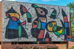 Personnages Oiseaux - Wichita State University, Ulrich Museum of Art, 1845 Fairmount - Joan Miro, 1977 - photo from 2009
