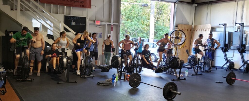 Group workouts at Fern Creek CrossFit