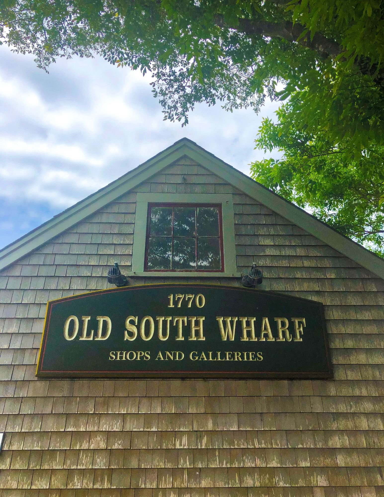 Places to eat on Nantucket Bar Yoshi Sushi and Raw Bar Gallery-3