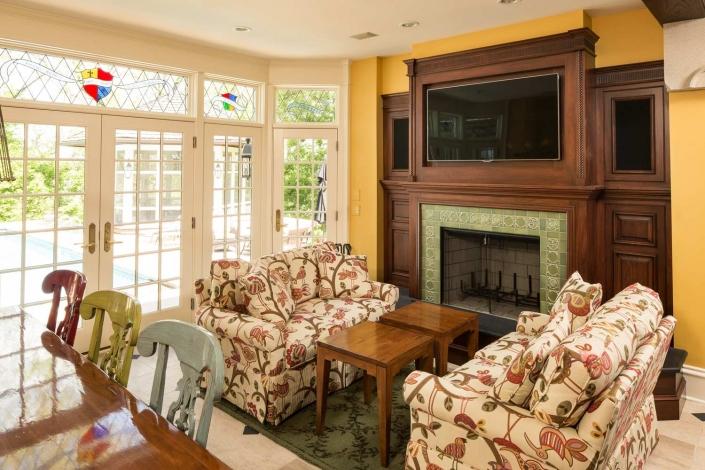 Yellow Living Room - Lakeside Living