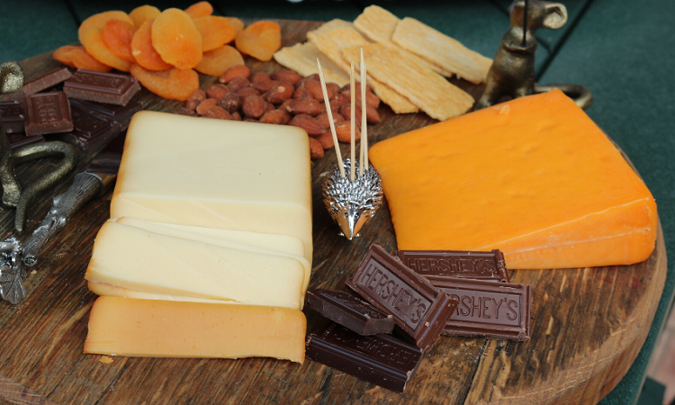 Lakeside-Living_Manitowish-Waters_Northwoods-WI_Blessings-of-Life-at-the-Lake-This-Crazy-Year-in-Review_Entertaining-Cheese-Tray