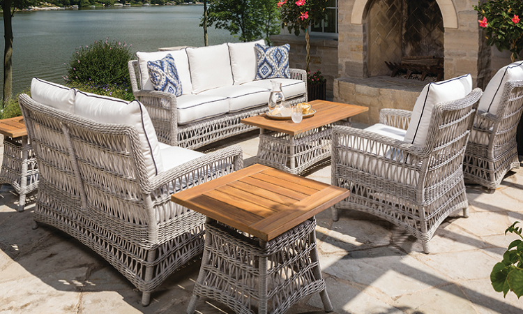 Lakeside-Living_Manitowish-Waters_Northwoods-WI_Blessings-of-Life-at-the-Lake-This-Crazy-Year-in-Review_Preparing-Outdoor-Seating