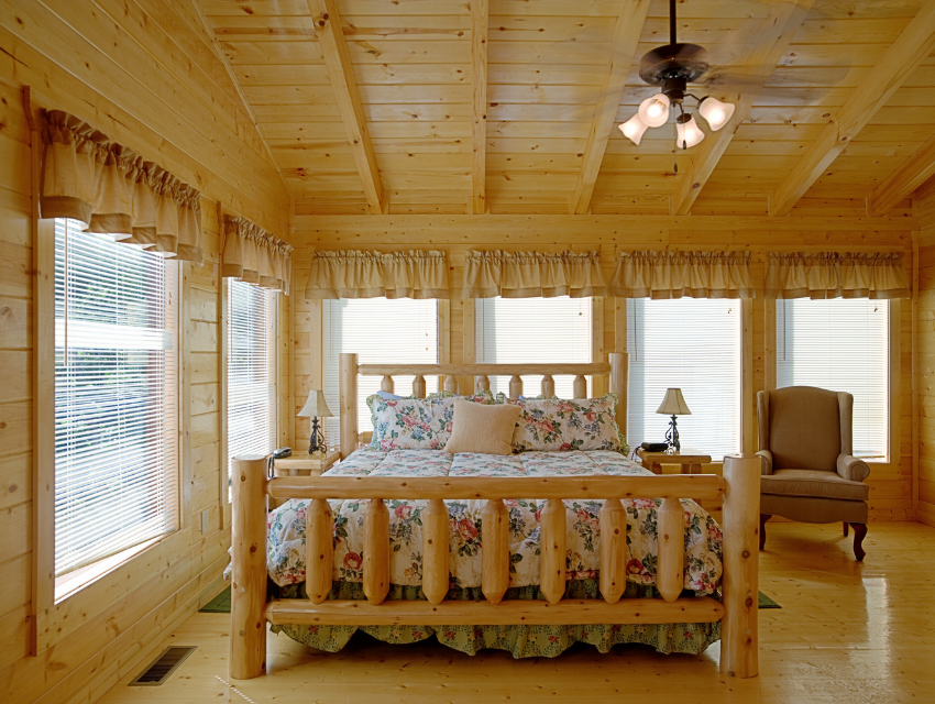 Lakeside-Living_Manitowish-Waters-Wisconsin_Northwoods-Interior-Design_Ready-to-Beautify-Your-Windows_Our-Team-is-Here-to-Help_Valances-in-Cabin-Bedroom