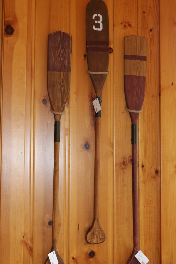 lakeside-living-design-northwoods-wi-cabin-decor-decorative-oars-wall-hanging-wood