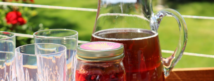 lakeside-living-design-northwoods-wi-summer-drinks-for-independence-day-and-beyond-sangria-summer-camp-cocktail-in-pitcher-mason-jar