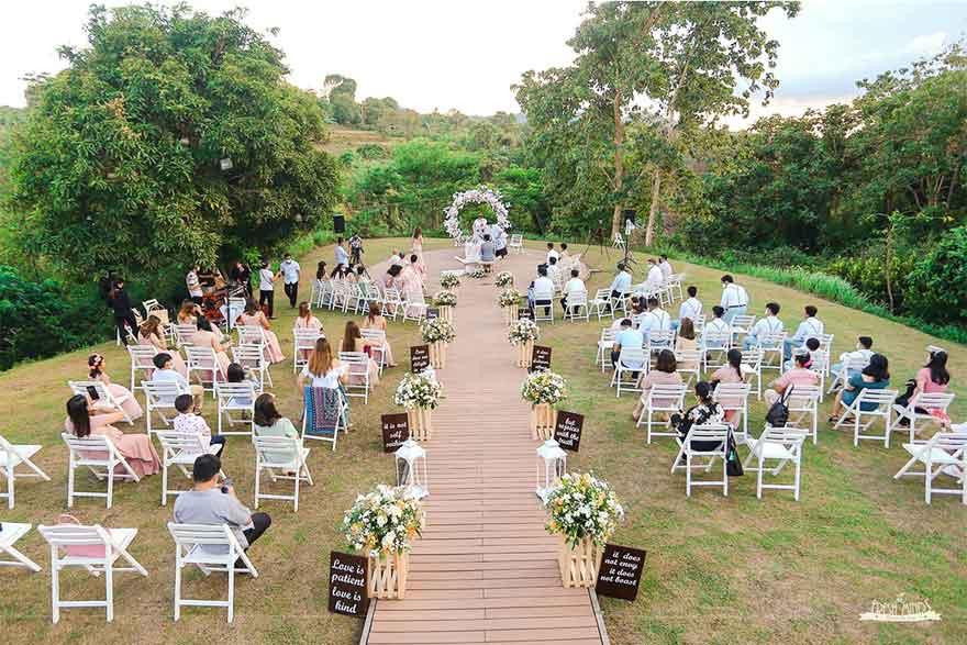 Intimate wedding tips