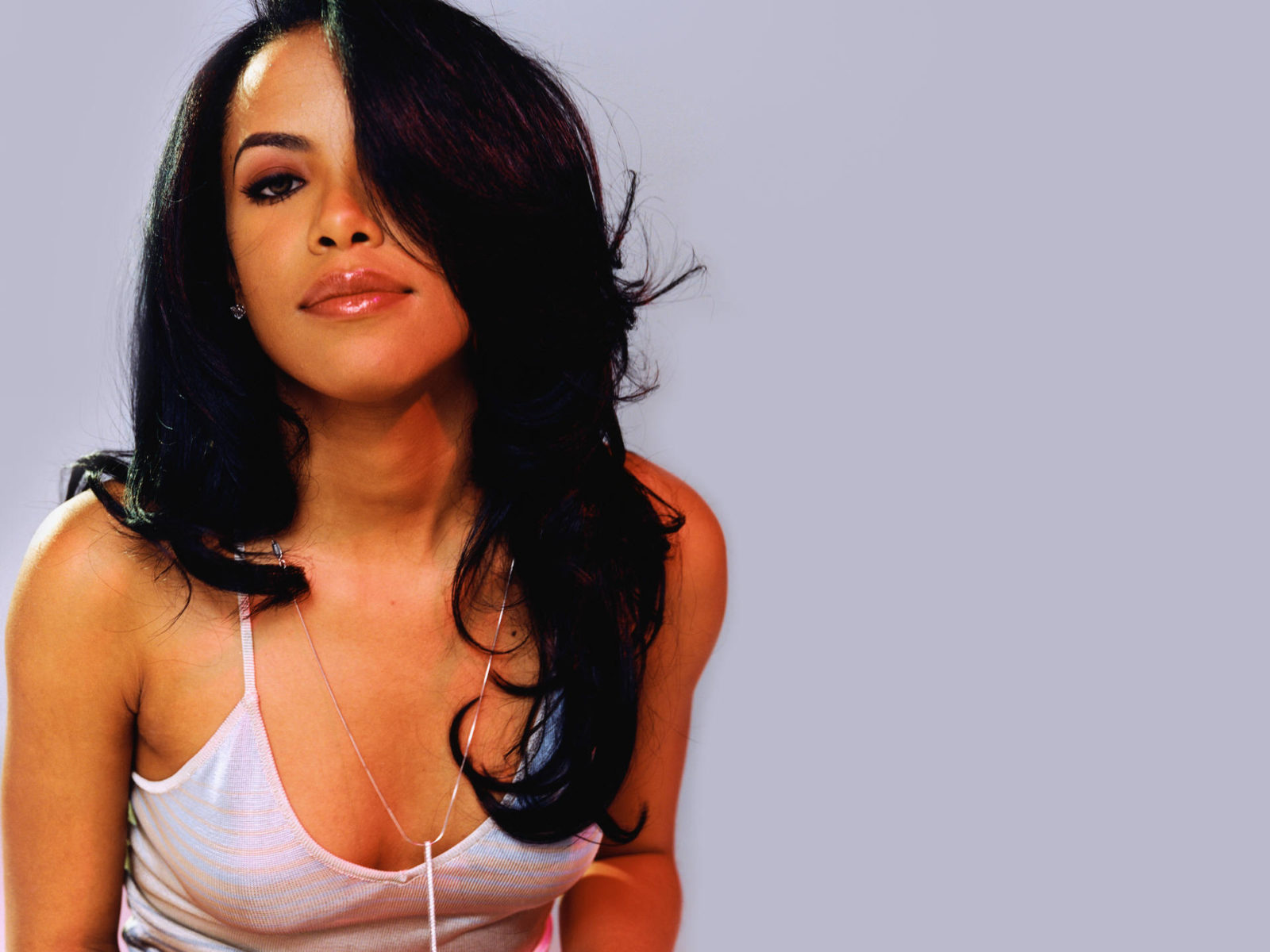 Aaliyah Music Now Streaming