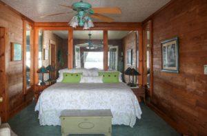 Aspinwall Master Bedroom - 1 King Bed
