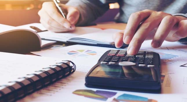 Personal Finance Keeping Expense Low