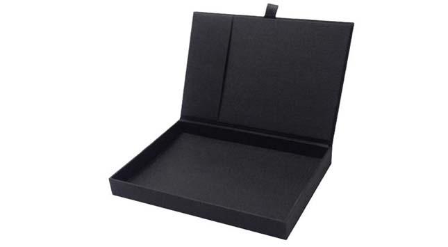 Beautifully Designed Invitation Boxes