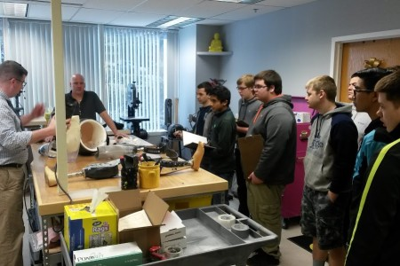 Class learning latest Prosthetics & Orthotics technology in the Sunshine fabrication room