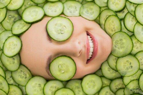 Salatalık cilt sağlığına yararlıdır